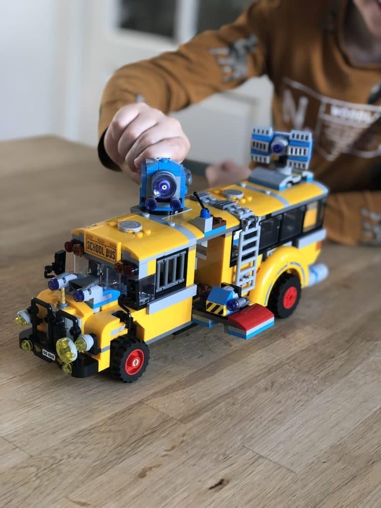 LEGO Hidden Side schoolbus